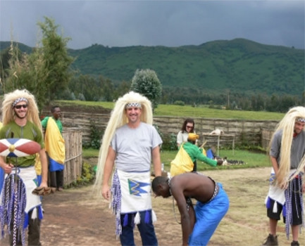 Tourists take cultural tourism with some local traditional dancers