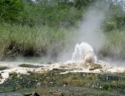 sempaya hot springs adventure